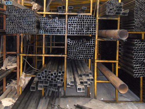 Amplio stock y material en bodega