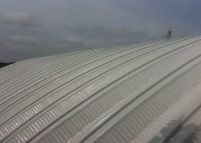 Instalación de techo curvo en Escuela-Xicotencatl