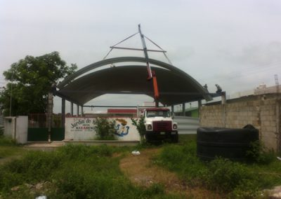 Instalación de techado en Escuela-Xicotencatl