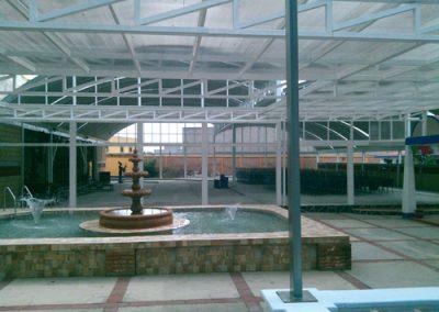 Construcción de techo curvo laminado en PINFRA en Ixtapaluca