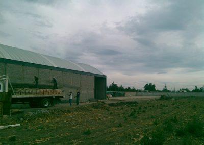 Instalación de techo curvo laminado en Papalotla